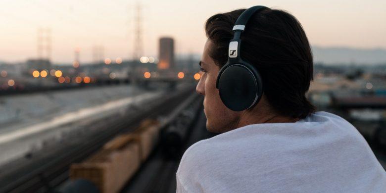 5 Best Wireless Headphones Under 2500 Rupees In 2020 Norsecorp