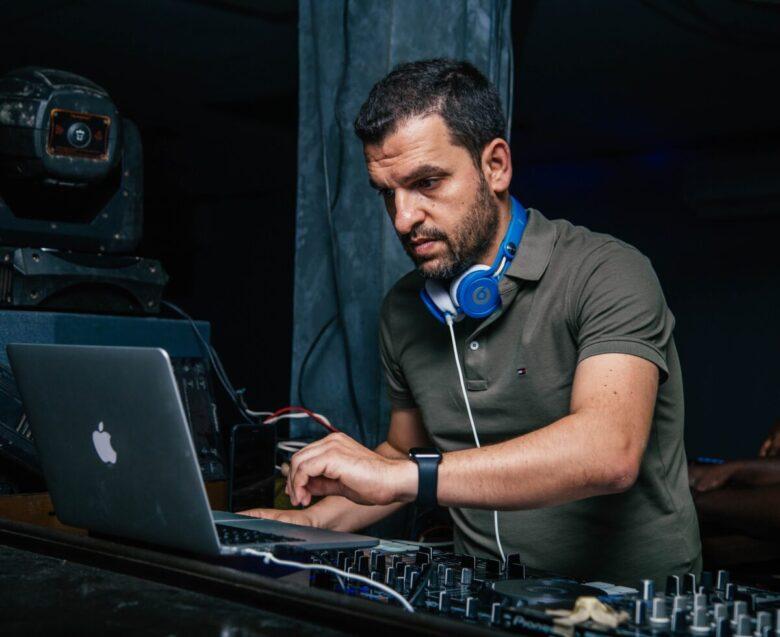 laptop for DJ